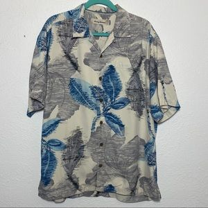 Tommy Bahama 100% Silk Button Down Shirt Sleeve